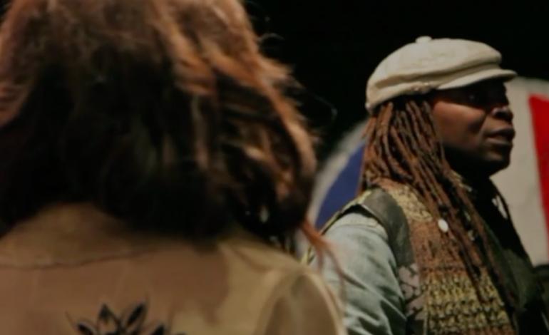 Le styliste-slameur Mike Sylla rend hommage à Tony Allen à travers un «Akoustikers live in the House»