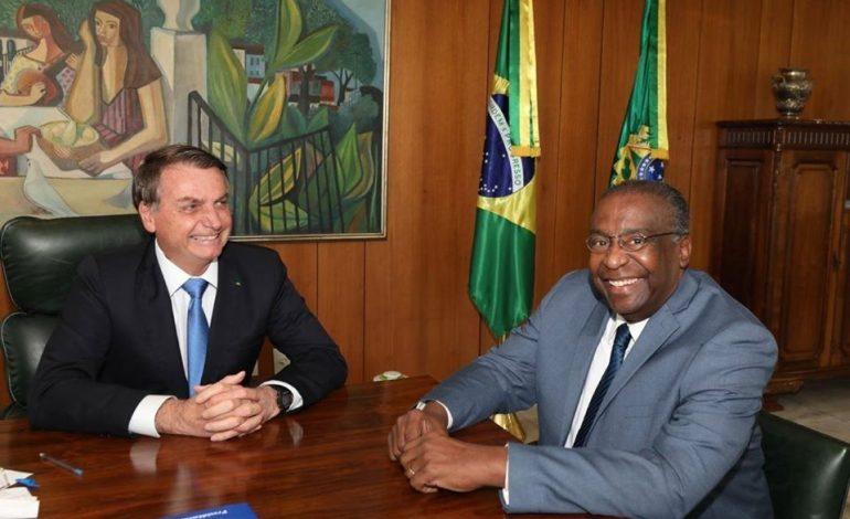 Le tout nouveau ministre brésilien de l'Education présente sa démission pour avoir gonflé son CV