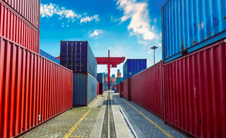 La Chine bat son record annuel d'exportations avec 7,2%