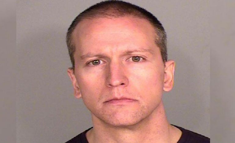 Derek Chauvin, l'assassin présumé de George Floyd désormais poursuivi pour «meurtre»