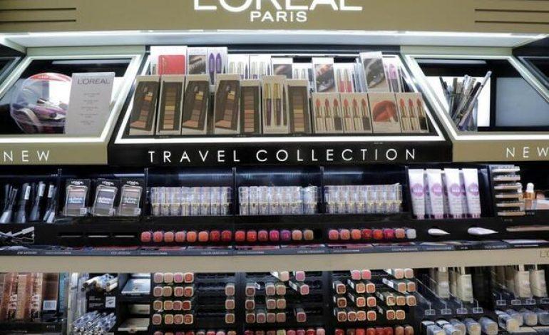 L'Oréal va supprimer des mots comme « blanc, blanchissant », de ses produits destinés à uniformiser la peau