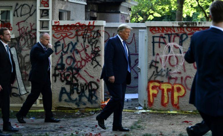 Donald Trump menace de déployer l'armée si les violences continuent
