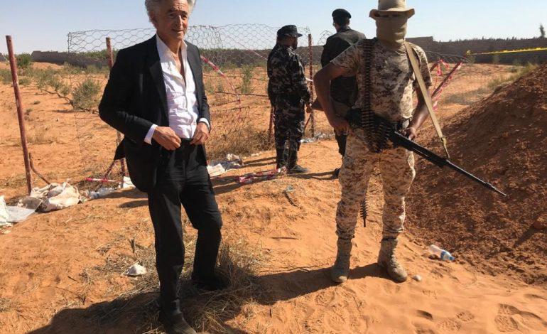 Bernard Henri-Lévy dans la provocation, se rend en Libye