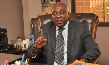 Le ministre Ghanéen Kingsley Ahenkorah, testé positif au Covid-19 démissionne pour ne pas avoir respecté l'isolement