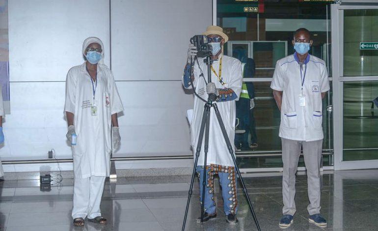 Une cinquantaine de passagers bloqués à l'aéroport de Diass pour défaut de test Covid-19