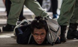"""Les Etats-Unis offrent un asile temporaire aux ressortissants de Hong Kong face à """"l'érosion de leurs droits et libertés"""""""