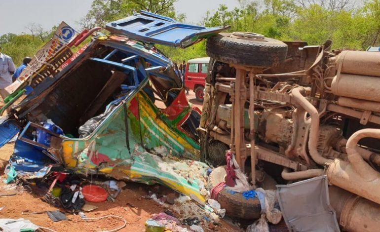 22 morts et 21 blessés dans une collision entre un minibus et un camion malien