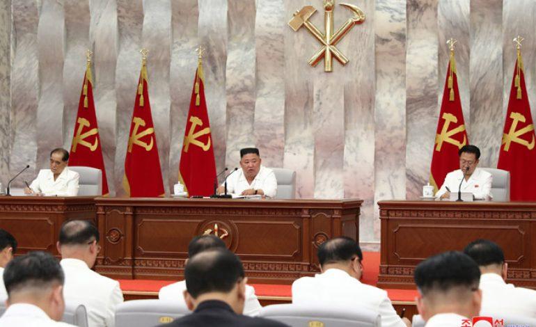 Kim Jong Un souligne de ne pas se reposer sur les lauriers pour prévenir le COVID-19