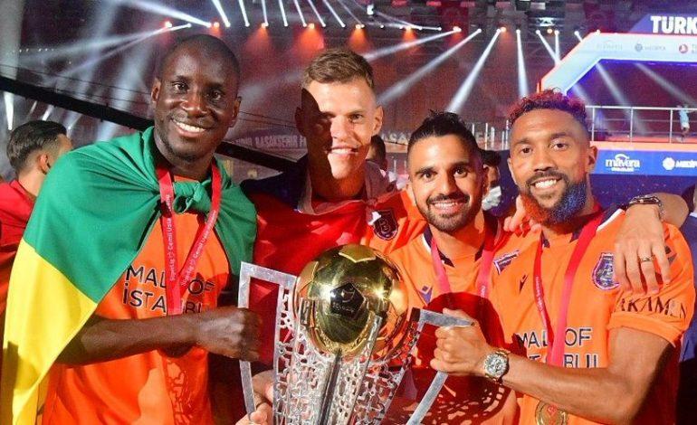 Demba Ba appelle le monde du foot à condamner la situation des musulmans Ouïghours