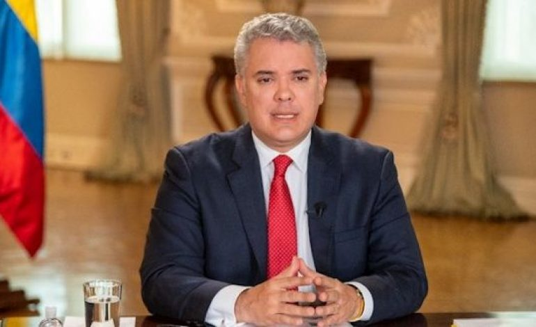 Le président Ivan Duque visé par une enquête pour financement illégal de campagne