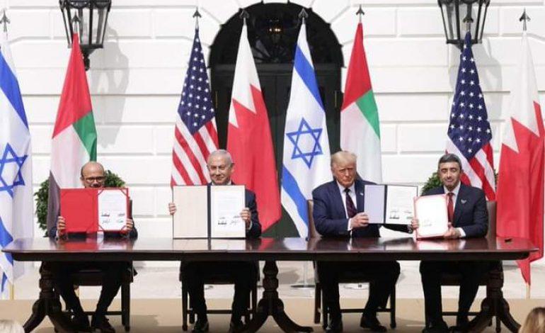 Israël signe des accords historiques avec les Emirats Arabes Unis et Bahreïn