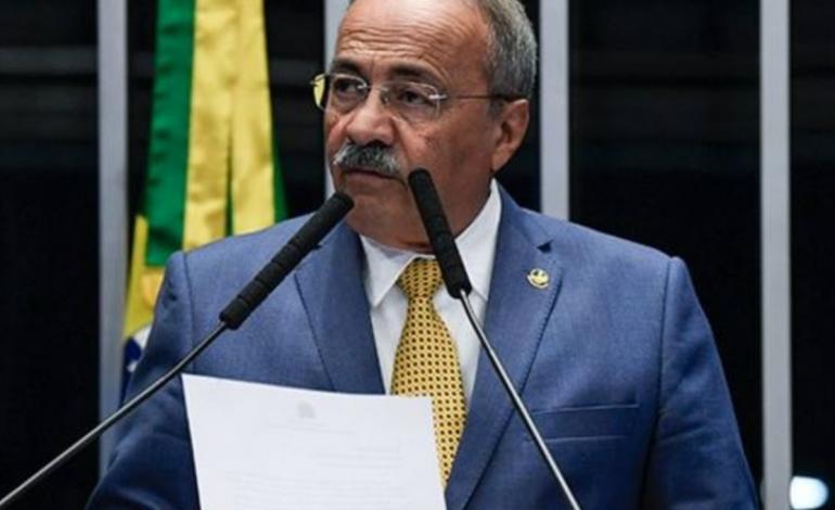 30.000 réais en espèces trouvé dans le caleçon de Chico Rodrigues, un sénateur brésilien