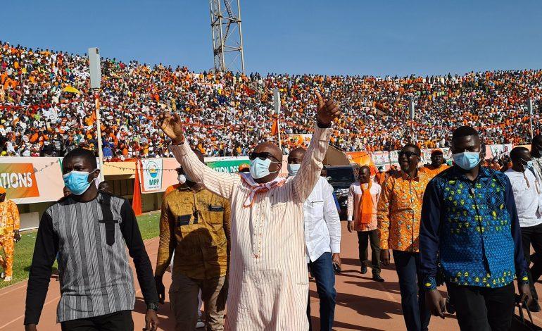 Présidentielle sous tension au Burkina Faso, entre joute pouvoir-opposition et menaces jihadistes