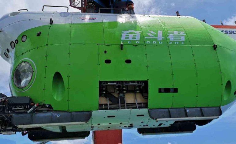 Le submersible chinois Fendouzhe est descendu à plus de 10.000 mètres sous terre