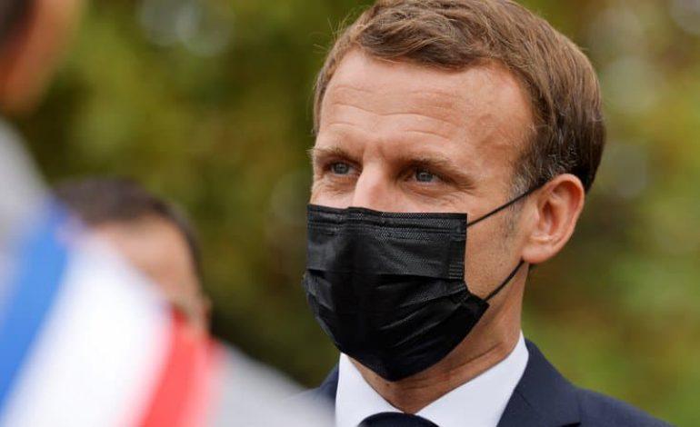Emmanuel Macron «demande pardon» aux harkis et annonce une loi de reconnaissance et de réparation