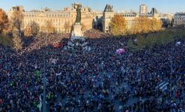 """Forte mobilisation en France contre le texte de loi """"sécurité globale"""""""