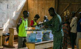 Elections en République Centrafricaine: un avenir à court terme déjà lourd de risques