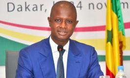 Le ministre de l'intérieur, Antoine Félix Diome menace le parti Pastef de dissolution pour avoir levé des fonds, la toile lui ramène des VAR