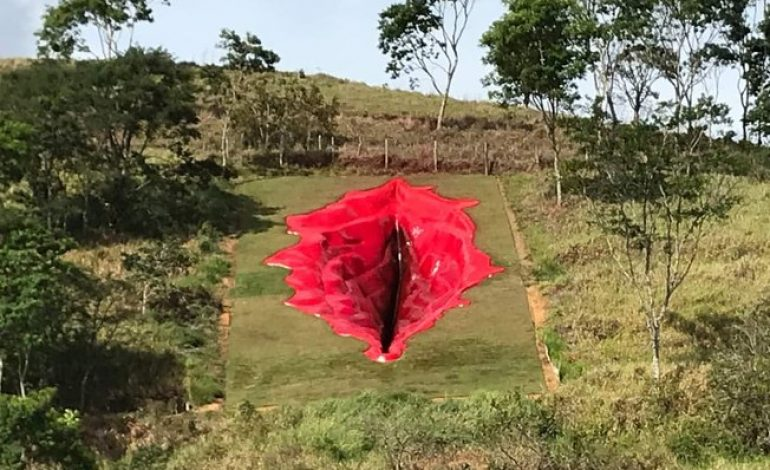 La «Diva» pour débattre du genre sur une montagne de la commune d'Agua Preta (Brésil)