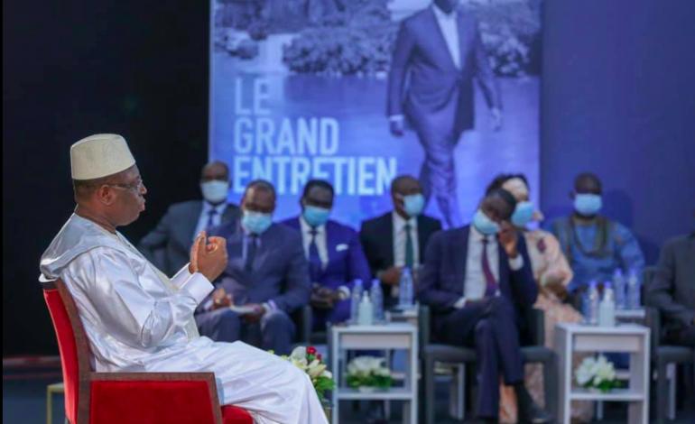 L'entretien à la télé de Macky Sall: retour sur un exercice chaotique du point de vue journalistique – Par Adama Diouf
