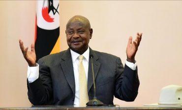 Yoweri Museveni prête serment sous haute sécurité