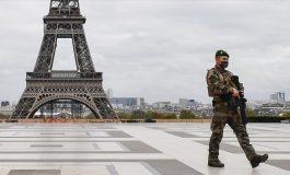 Fermeture d'établissements et couvre-feu prolongés en France