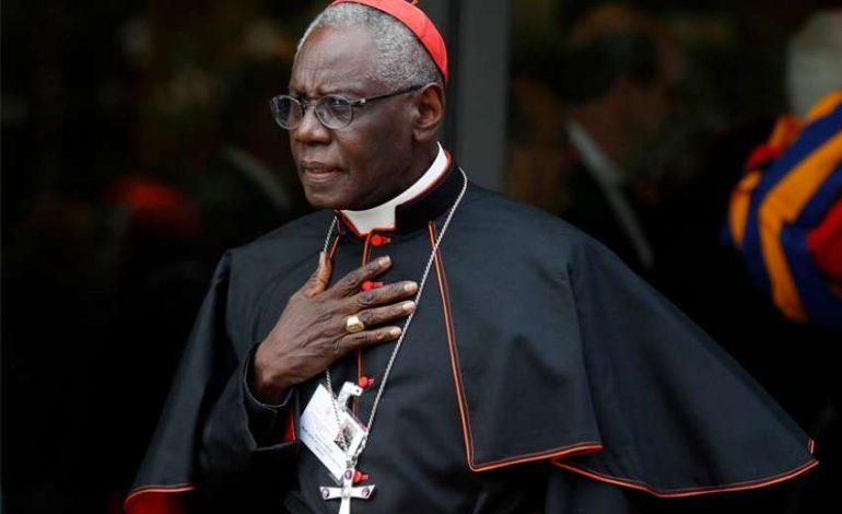 Le pape François accepte la démission du cardinal guinéen Robert Sarah