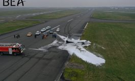 Un avion Embraer Phenom 100 atterrit «sur le ventre» au Bourget, quatre blessés