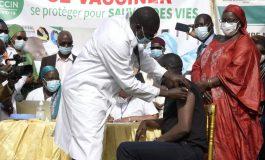 Début de la campagne de vaccination avec le vaccin chinois de Sinopharm