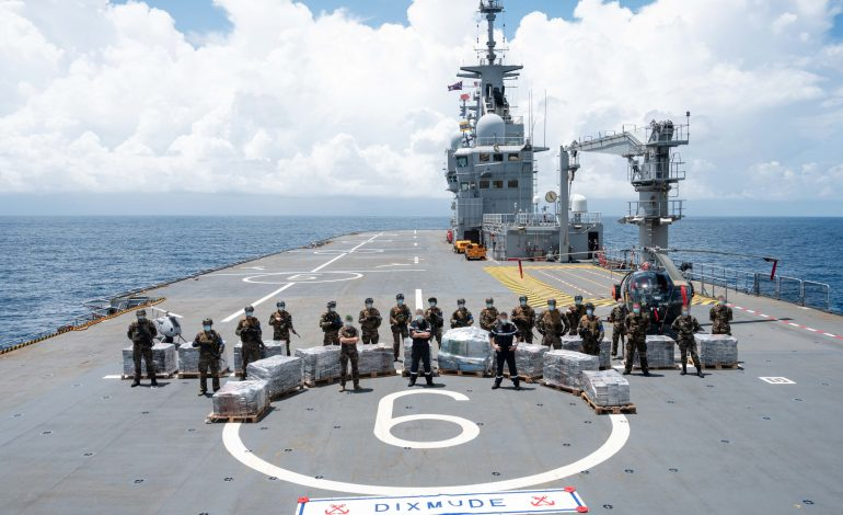 Saisie record de plus de six tonnes de cocaïne par la Marine nationale française dans le Golfe de Guinée