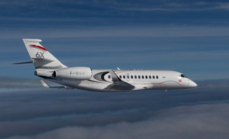 Premier vol réussi du Falcon 6X, le nouvel avion d'affaires de Dassault Aviation