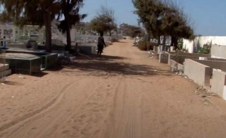 Des bénévoles sénégalais assurent une sépulture halal aux morts sans nom