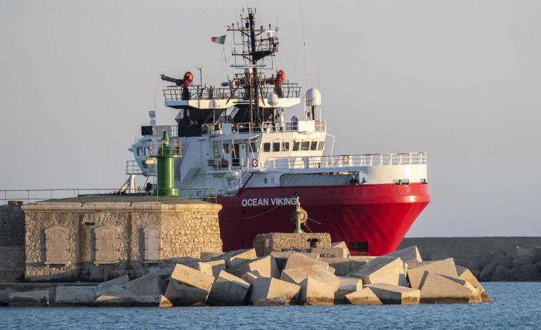 Deux bateaux de migrants africains secourus en Méditerranée selon Alarm Phone