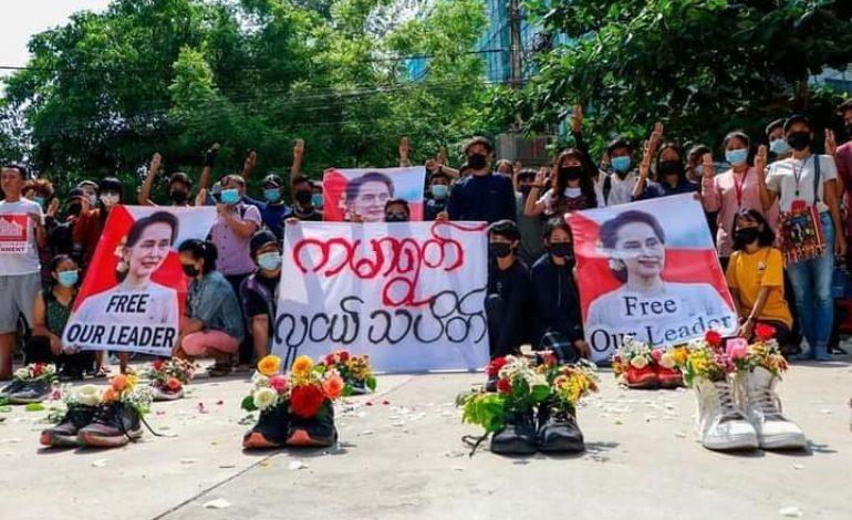 Plus de 700 civils tués depuis le putsch en Birmanie