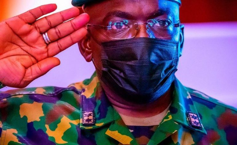 Ibrahim Attahiru, le chef de l'armée nigériane meurt dans un crash d'avion