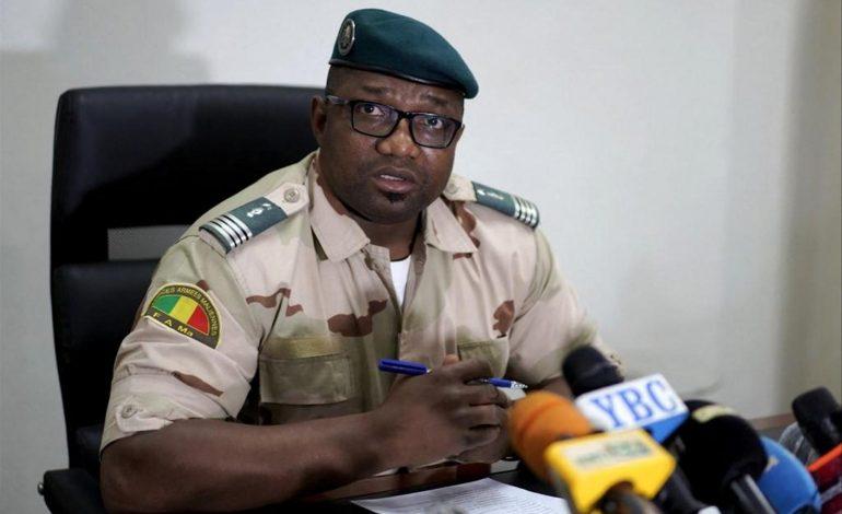 Les militaires libèrent les dirigeants arrêtés mais restent loin d'une transition civile