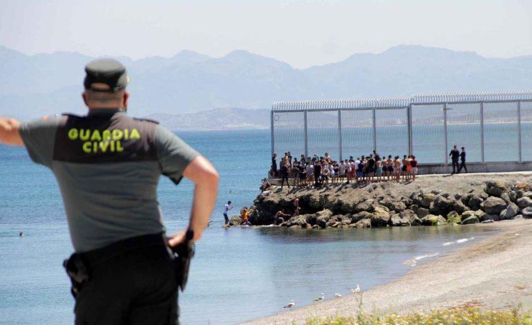 Les arrivées de migrants se poursuivent à Ceuta