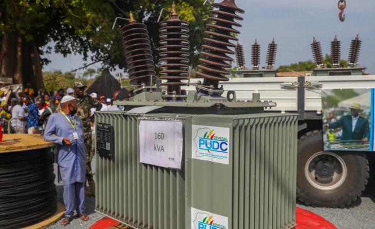 A Tomboronkoto, Macky Sall lance un programme d'électrification de 2.000 villages