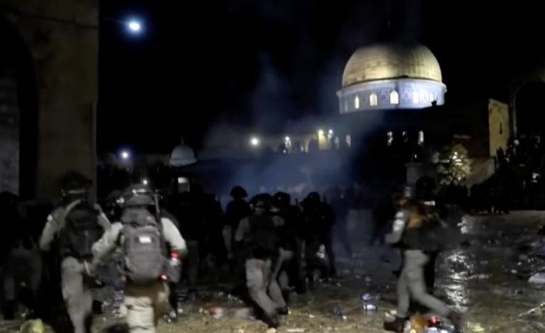 Appels à de nouvelles manifestations après des heurts et plus de 200 blessés sur l'esplanade des Mosquées