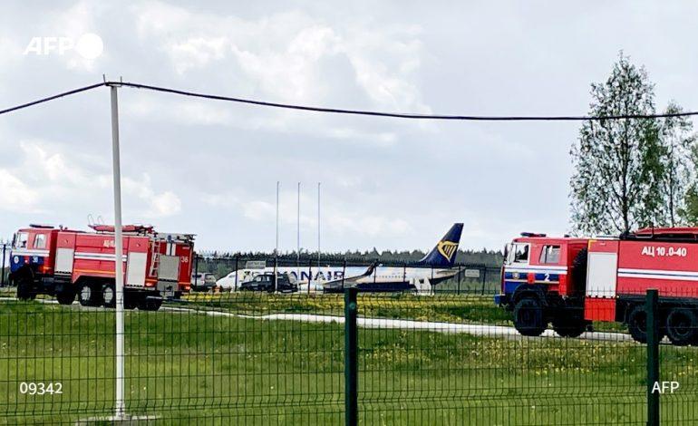Le Bélarus intercepte un avion de ligne avec un opposant à bord, de «possibles sanctions» de l'UE