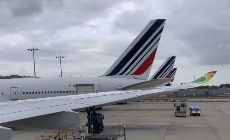 Le trafic aérien renoue temporairement avec ses niveaux d'avant-crise, 200.000 vols observés à travers le monde