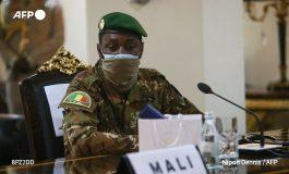 Le colonel Assimi Goïta a prêté serment comme président de transition