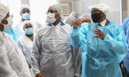 Macky Sall dans les Centres de Traitement des Epidémies de Dakar, 332.118 doses du vaccin Sinopharm réceptionnés