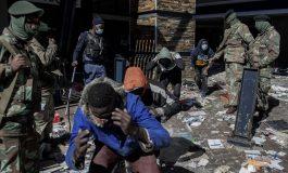 Au moins 45 morts et aucune pause dans les pillages