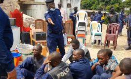 Un étudiant congolais qui ne portait pas de masque tué par un policier à Kinshasa