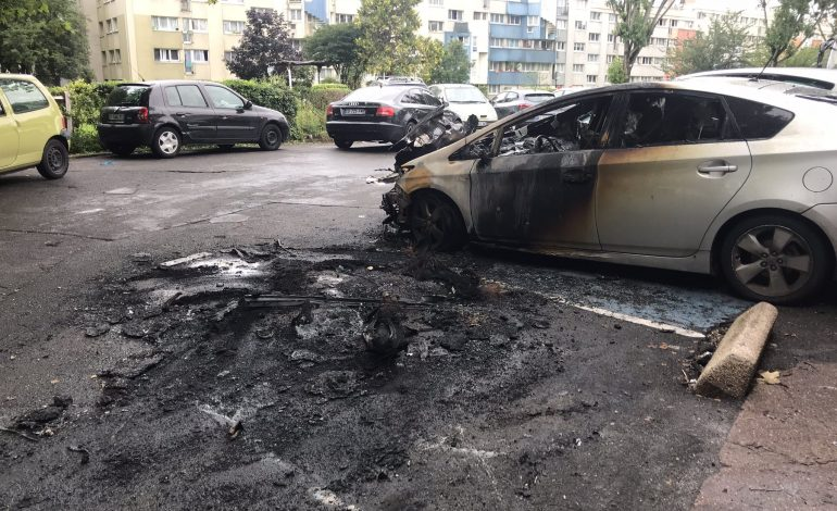 Incidents en marge du 14 Juillet : 294 voitures brûlées en France, près de 250 interpellations