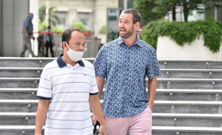 Expulsé de Singapour, Benjamin Glynn dénonce un procès «ridicule» et «révoltant» car selon lui le masque ne permet pas d'éviter la contamination par le Covid-19