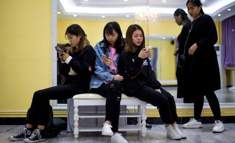 «Un opium mental» : la presse chinoise critique les jeux vidéo, le secteur plonge en Bourse