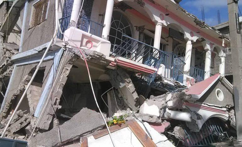 Le bilan du séisme en Haïti s'alourdit encore, au moins 1297 morts et plus de 2800 blessés