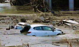 44 morts dans les inondations selon un bilan provisoire, les recherches se poursuivent